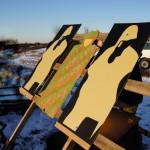 """Zwei installierte ThermBright Folien neben einer """"normalen"""" Infantriezielscheibe ohne Wärmebildfähigkeit"""